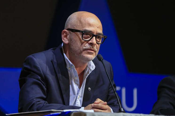 Nuno Lobo, candidato à presidência do F. C. Porto, revela sobre o que pretenda para a equipa principal