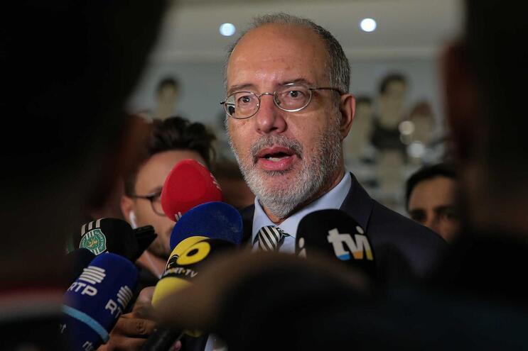 """Rogério Alves: """"Mesmo que o orçamentonão tivesse sido aprovado, a direção não cairia"""""""