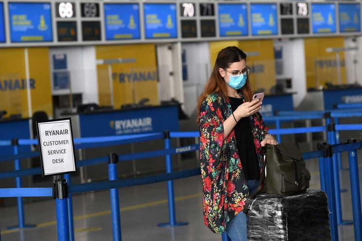 Aeroportos europeus receberam apenas 16,8 milhões de passageiros em junho