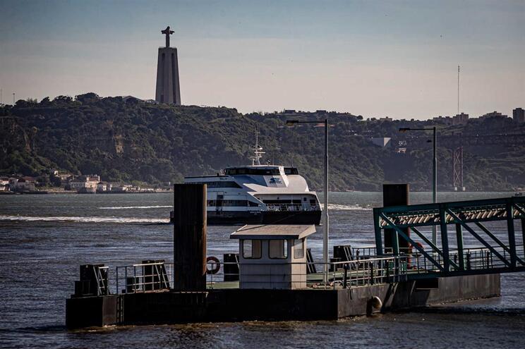Soflusa assegura as ligações fluviais entre Barreiro e Lisboa