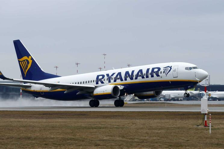 Ligação da Ryanair entre Porto e Lisboa termina em outubro