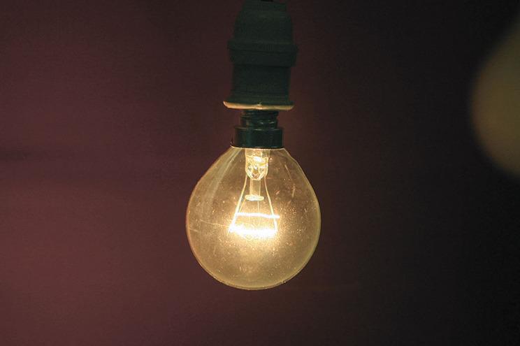 Clientes de luz e gás acumulam contratos para fugir a dívidas