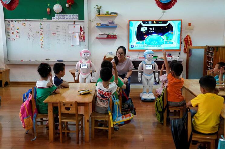 iPal, exemplo de robô que ajuda a ensinar as crianças de um infantário em Suzhou, província de Jiangsu