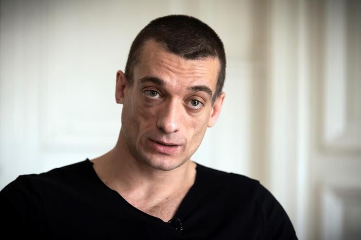 Pyotr Pavlensky está exilado desde 2017 na França