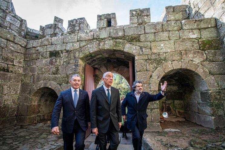Comissão pede obras no castelo da Feira e Marcelo apela aos mecenas