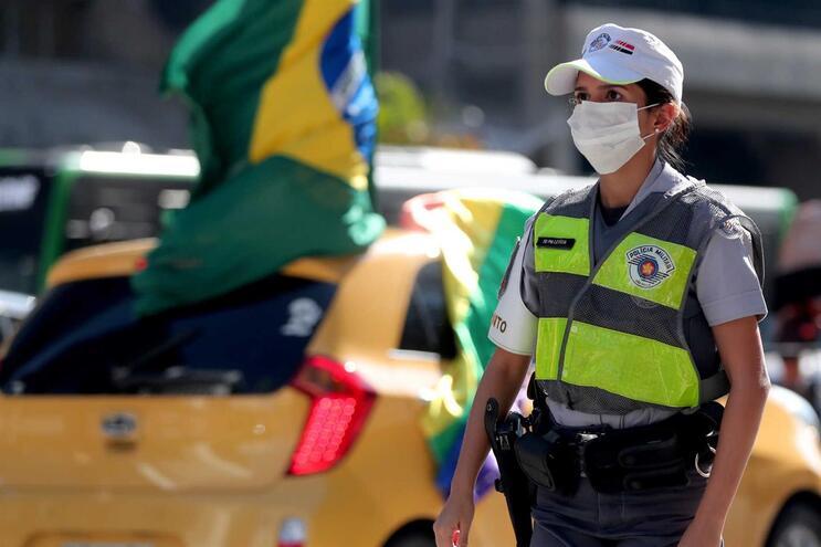 Brasil soma mais de 4500 mortos e 66500 casos confirmados