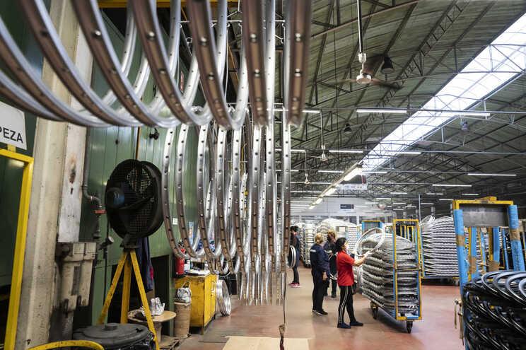 Portugal com maior quebra da UE na produção industrial em novembro