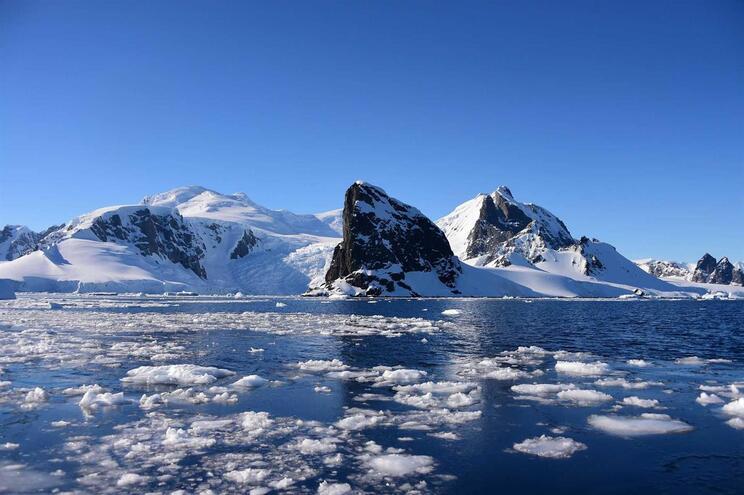 Recorde de temperatura na Antártida já tinha sido ultrapassado em 6 de fevereiro, tendo os termómetros