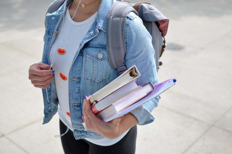 Só os alunos do 11.º e do 12.º poderão regressar às escolas ainda este ano letivo