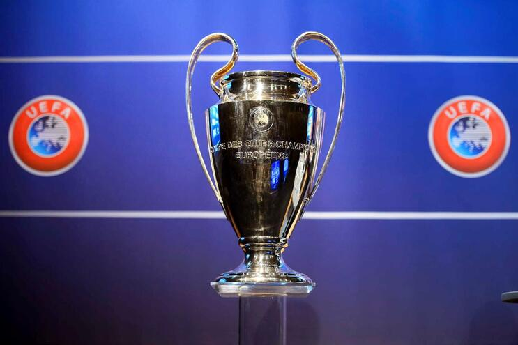UEFA acredita que os campeonatos terminam até 30 de junho