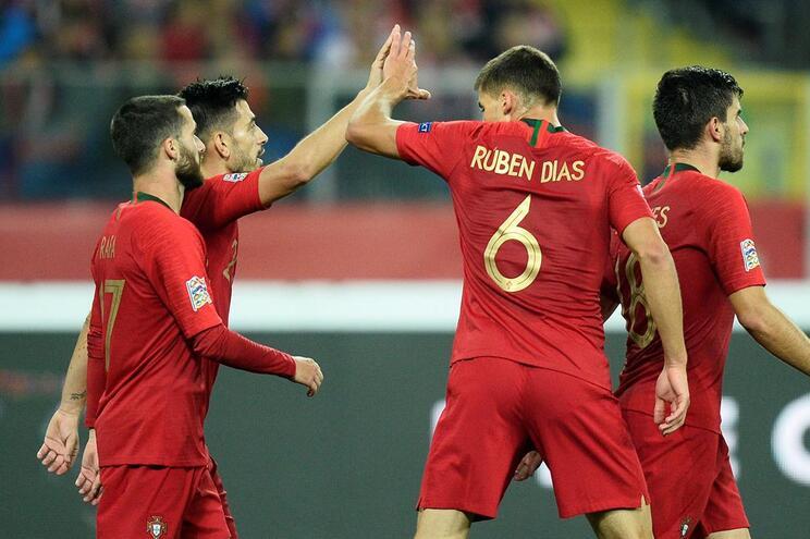 Portugal a vencer a Polónia ao intervalo