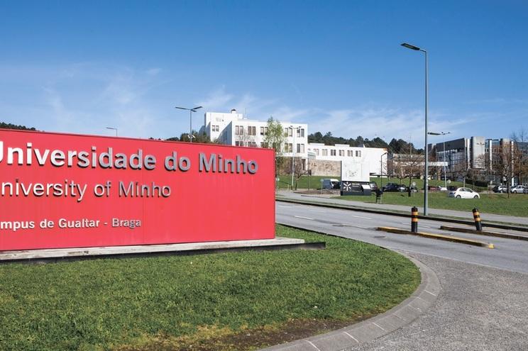 Universidade do Minho suspendeu aulas presenciais a 10 de março, após caso positivo de covid-19 no campus