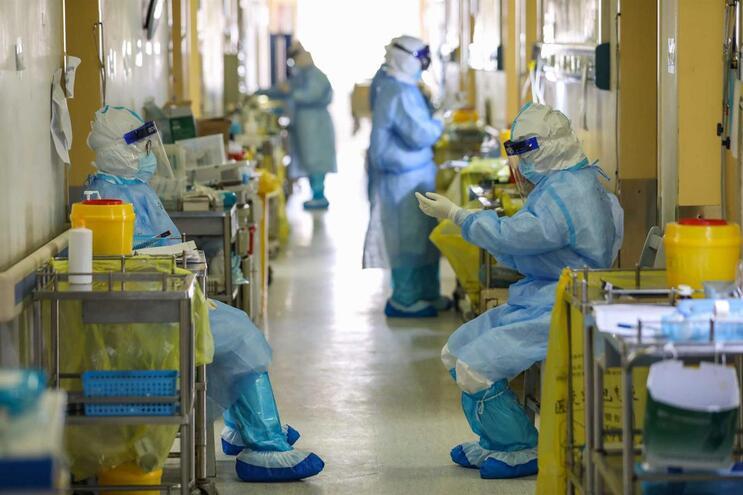 Hospital de Cruz Vermelha, em Wuhan, o foco inicial da epidemia