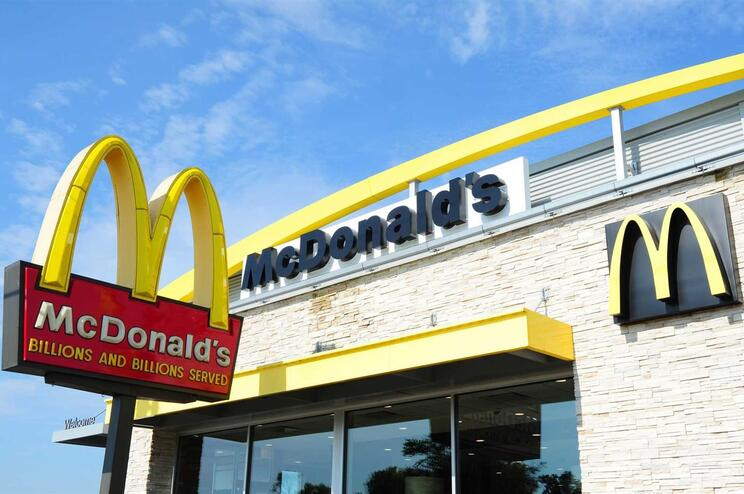 "A cadeia de ""fast food"" diz que vai analisar a queixa"