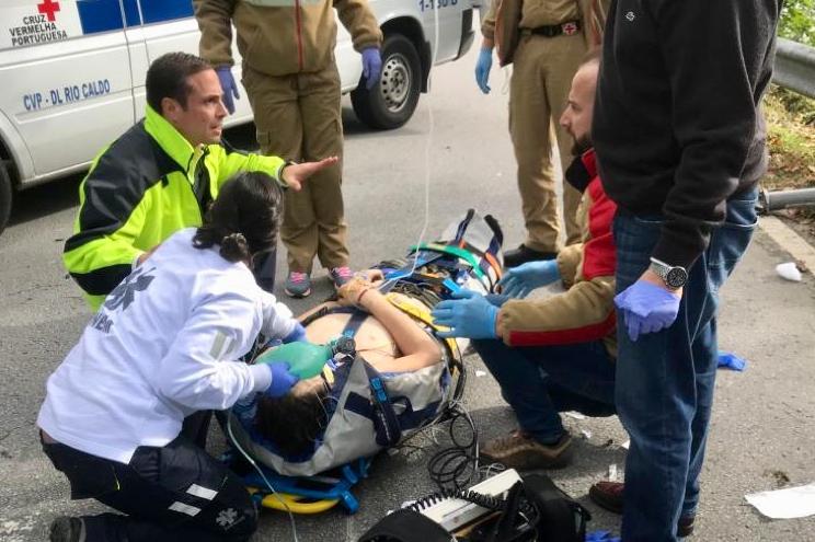 Colisão entre carro e mota provoca ferido grave em Braga