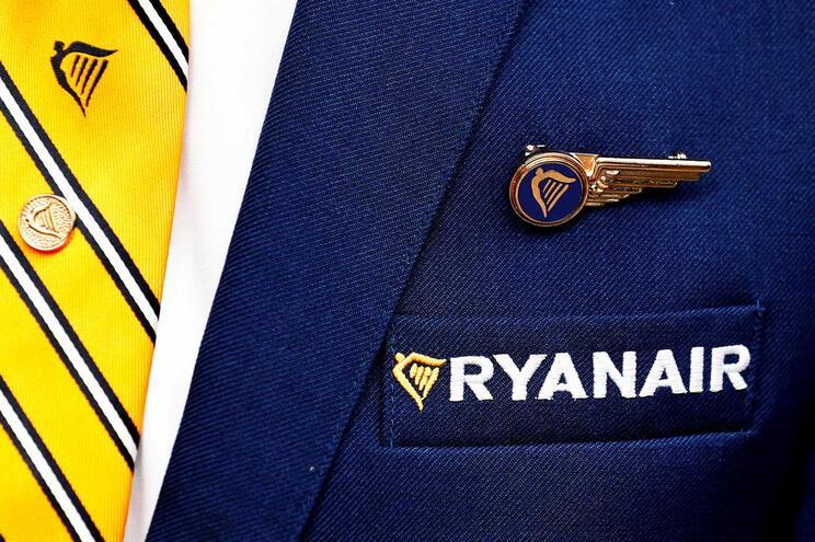 Tripulantes da Ryanair fazem greve de cinco dias em agosto