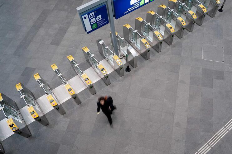 Agências de viagens têm de reembolsar ou adiar viagens de finalistas