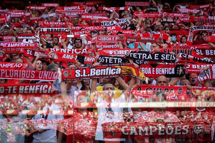 Corrida aos bilhetes provoca quebra no site e aplicação do Benfica