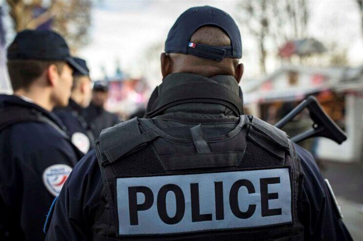Novo ataque em França: homem abatido a tiro após ameaçar pessoas com arma