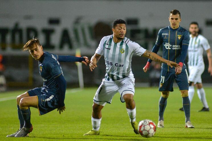 Vitória de Setúbal sobe ao sétimo lugar ao vencer Desportivo das Aves