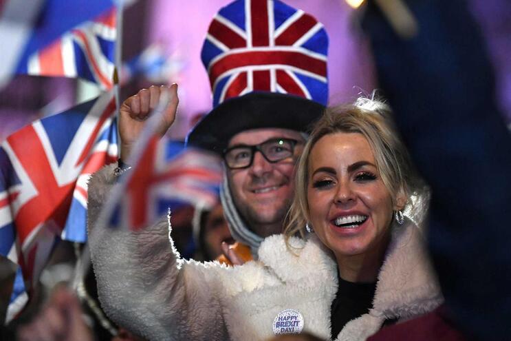 Festa após as 23 horas, que marcaram a saída do Reino Unido da União Europeia