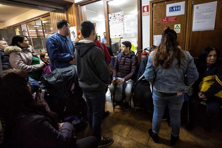 Centro de atendimento de apoio a migrantes e encaminhamento para SEF não tem capacidade de resposta por