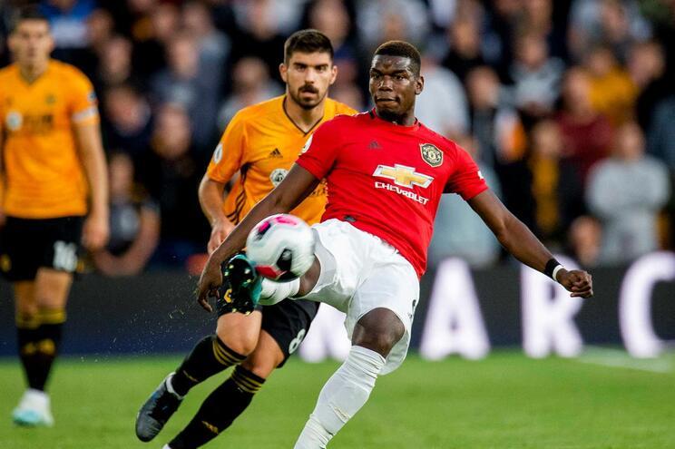 Portugueses brilham no empate dos Wolves com Manchester United