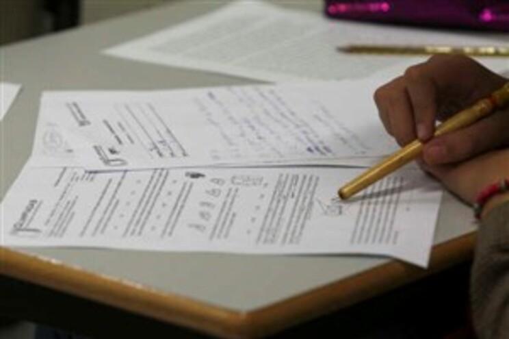 CE considera que nem alunos, nem professores estão preparados, em termos de equipamentos e conhecimentos