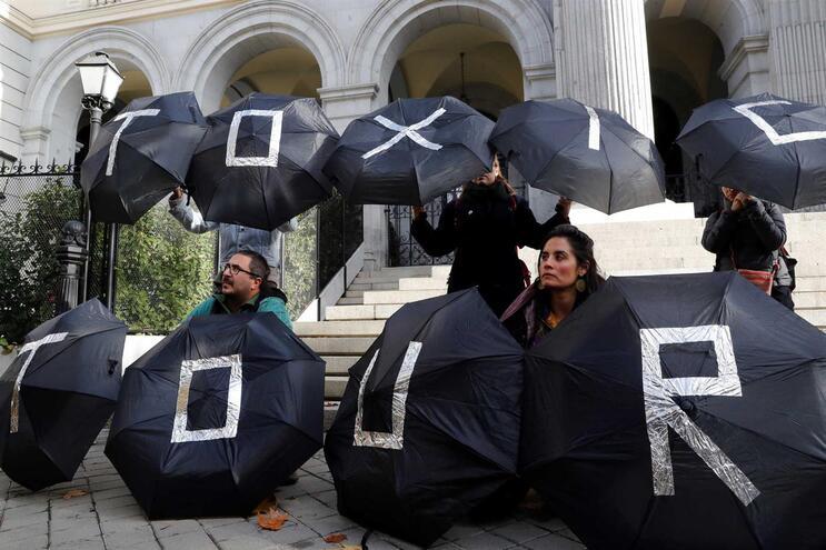 Ecologistas acusam polícia de travar manifestação em Madrid