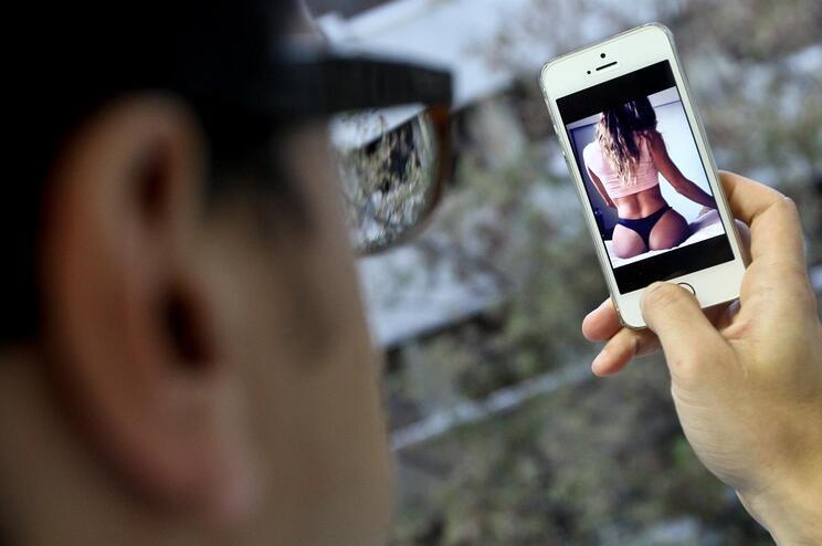 Partilha de fotos e vídeos está na origem da maior parte das queixas