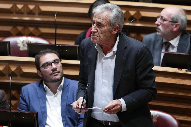 """Jerónimo diz haver """"emergência nacional"""" nos salários e pede aumento das pensões"""