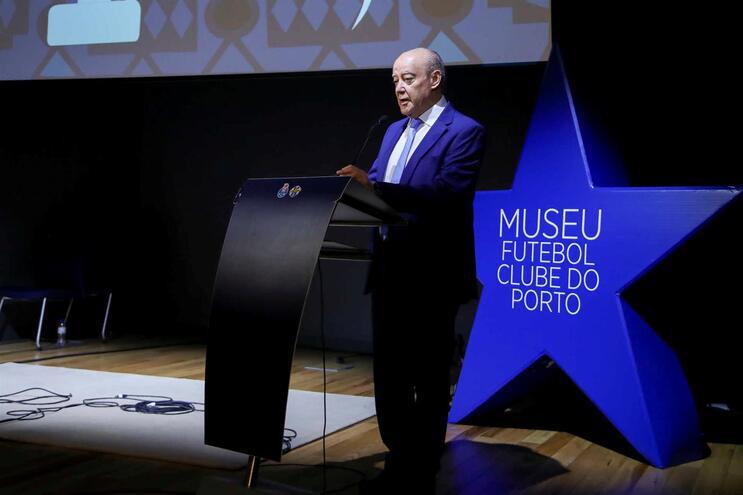 """Pinto da Costa fala em """"descuido"""" e """"desrespeito"""" da Liga pelo F. C. Porto"""