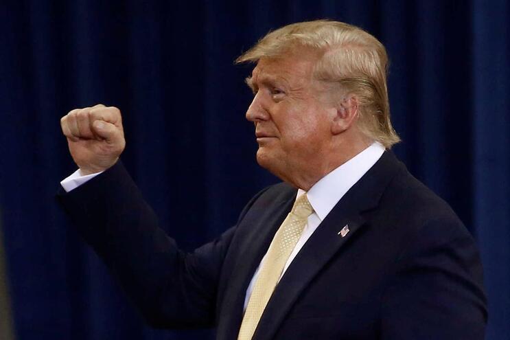 """Trump sai em defesa do advogado no caso ucraniano: """"Há uma caça às bruxas"""""""