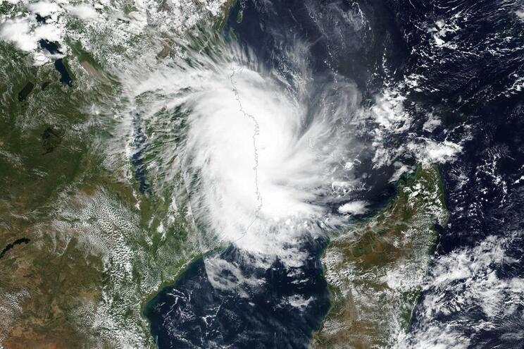 Ciclone Kenneth.  É a primeira vez que dois ciclones atingem Moçambique durante a mesma estação