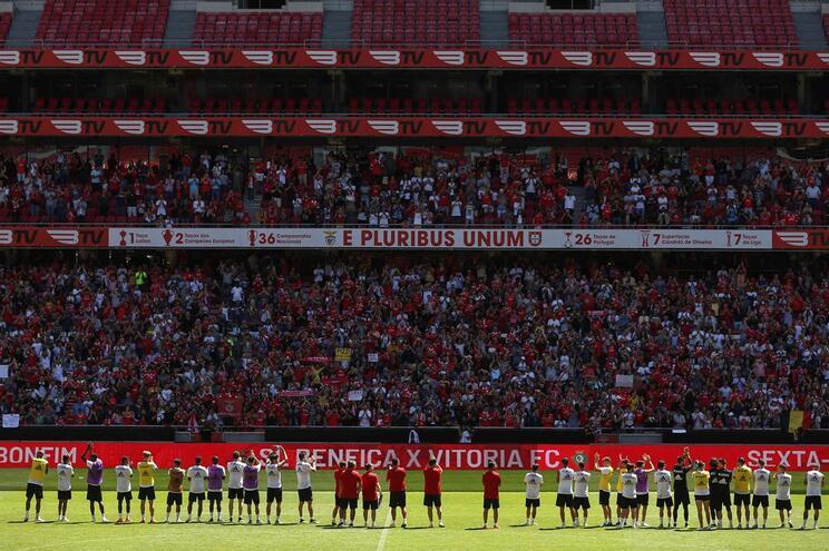 """Benfica anuncia recurso e considera sanção de jogo sem público """"ilegal"""""""