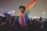Sara Hegazy foi presa por exibir bandeira colorida, símbolo da comunidade LGBT