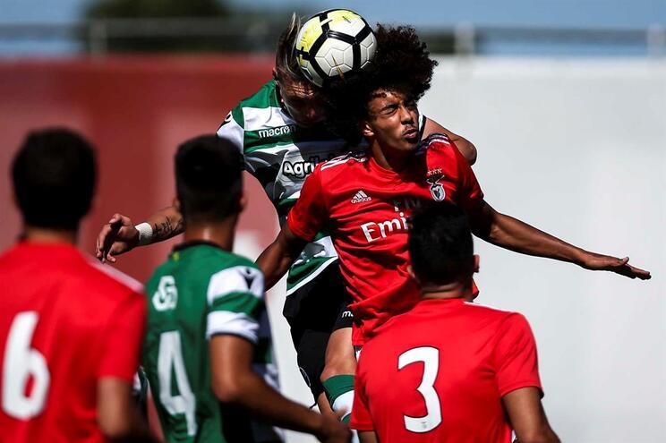 Benfica vence dérbi com Sporting mas o título de juniores fica com F. C. Porto