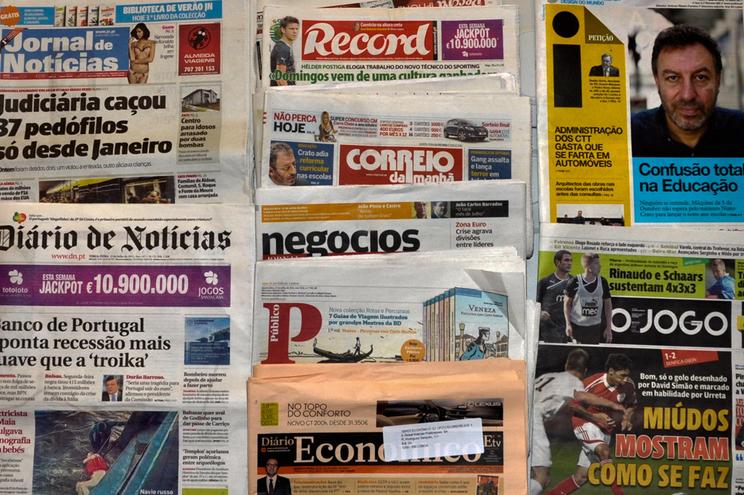 Conteúdos dos jornais são vendidos por empresas que faturam milhões
