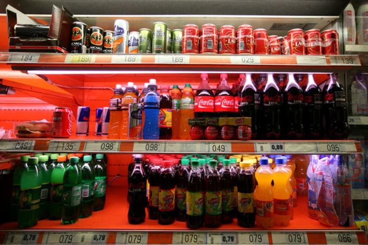 Imposto faz baixar consumo de bebidas com mais açúcar