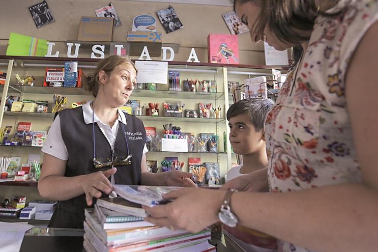 Após a emissão dos vouchers, os livros podem depois ser levantados nas papelarias aderentes