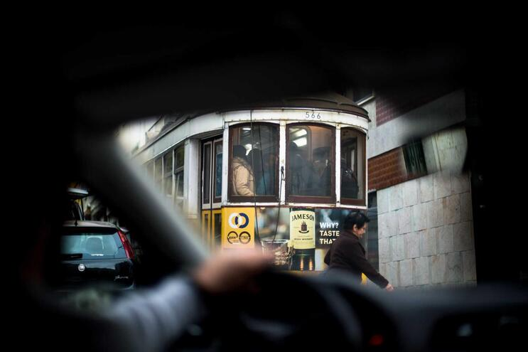 Tribunal proíbe carteiristas de andar em dois elétricos