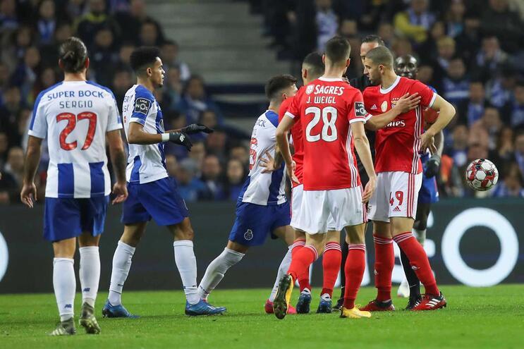 Clássico F C. Porto-Benfica continua a dar que falar