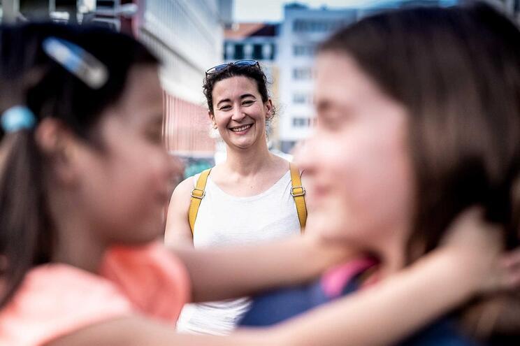 Família monoparental de Susana Alves e as duas filhas