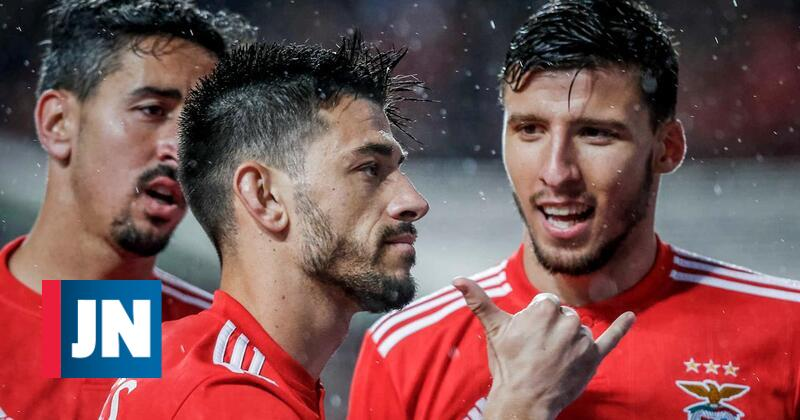 Benfica recupera liderança com goleada frente ao Marítimo
