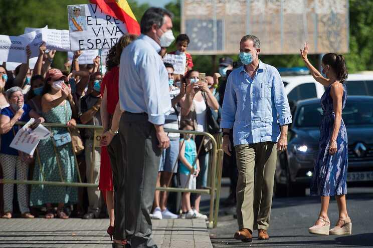 O uso de máscara em espaços públicos será obrigatório em toda a Catalunha