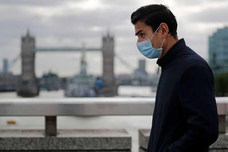 Pandemia já se espalhou por 213 países e territórios e infetou até agora 17,8 milhões de pessoas