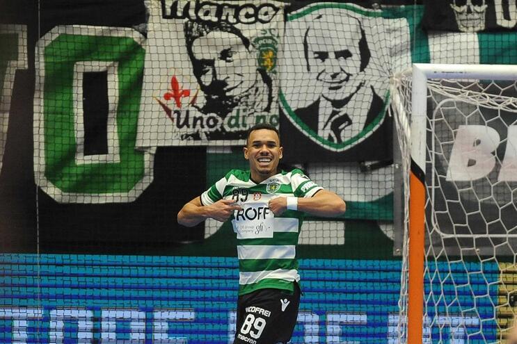 Dieguinho marcou três vezes pelo Sporting