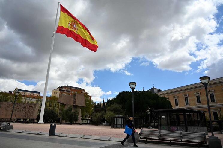 O balanço total de vítimas em Espanha sobe para 117.710 infetados e 10.935 mortos