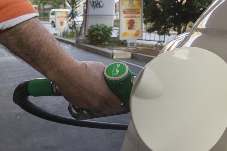 Combustíveis dão nove milhões/dia ao Estado
