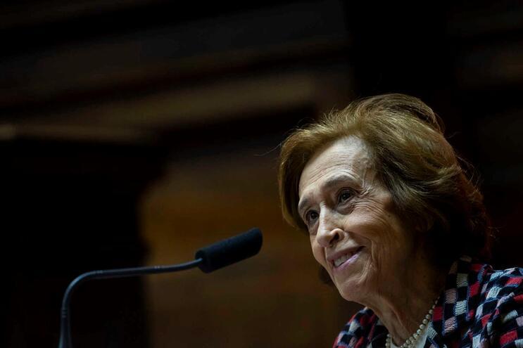 A antiga presidente do PSD, Manuela Ferreira Leite, durante a intervenção nas Jornadas Parlamentares